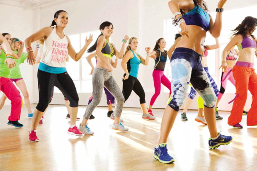 Actualidad Actualidad ¿Te asusta la pista de baile? aprende los pasos básicos para bailar