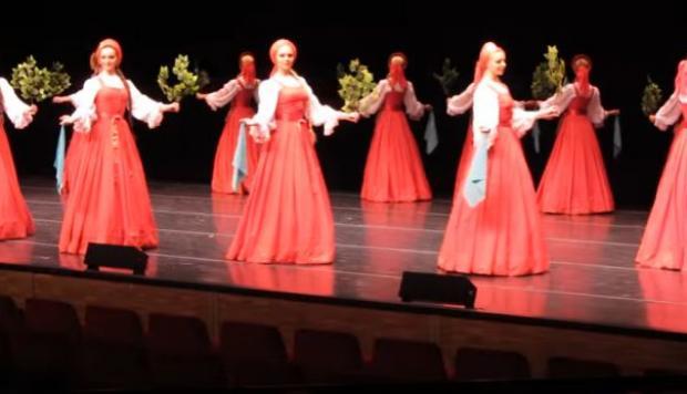 Actualidad Actualidad La hipnotizante danza rusa donde las bailarinas parecen flotar
