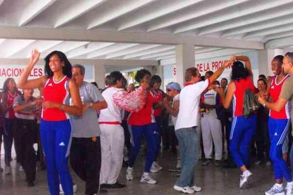 Actualidad Actualidad Una nueva escuela de baile  abre sus puertas en El Tigre