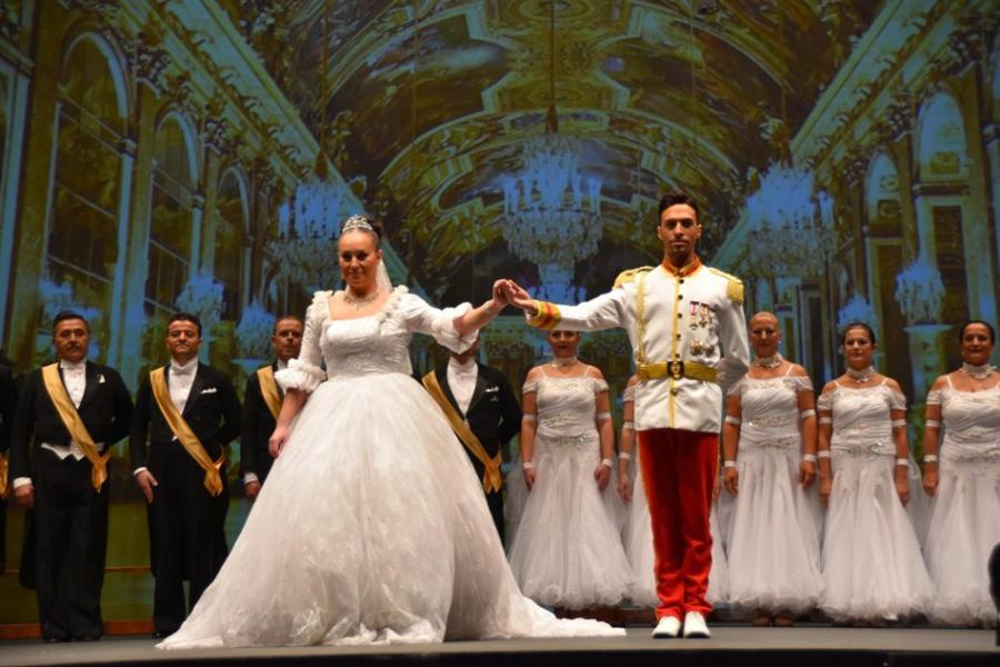 Actualidad Actualidad El Baile del Emperador y el Campeonato de Artístico llenaron de glamour el Palacio de la Paz de Fuengirola