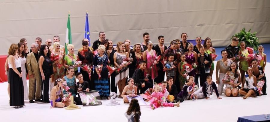 Actualidad Actualidad Éxito del primer día del III Campeonato de Baile Retro Ciudad de Chiclana en el que participaron más de 40 parejas de bailarines de toda España
